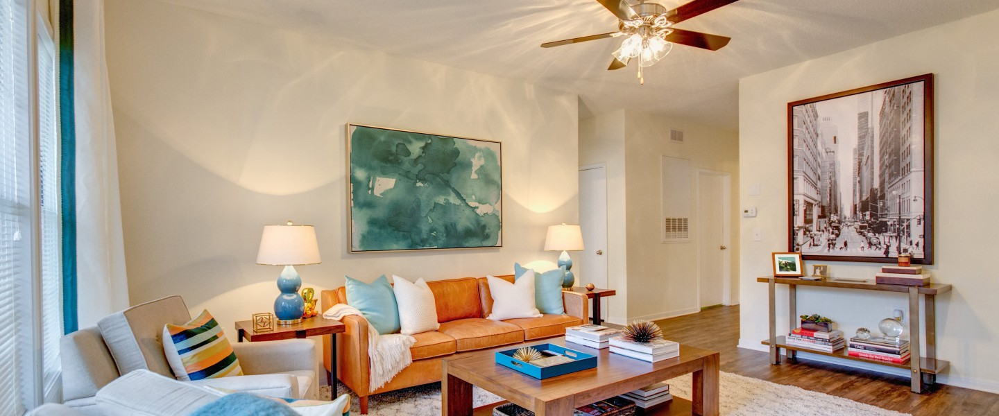 Crowne Oaks Stylish Apartments In Winston Salem North Carolina